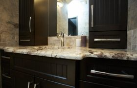 homes-by-greenstone-bathrooms-050