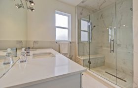 homes-by-greenstone-bathrooms-067