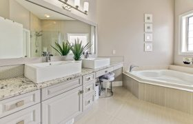 homes-by-greenstone-bathrooms-088