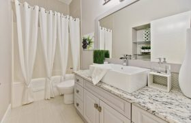 homes-by-greenstone-bathrooms-089