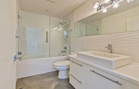 homes-by-greenstone-bathrooms-100