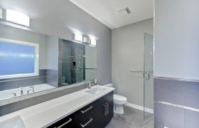 homes-by-greenstone-bathrooms-102