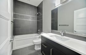 homes-by-greenstone-bathrooms-103