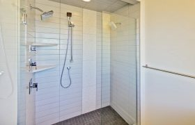 homes-by-greenstone-bathrooms-108