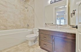 homes-by-greenstone-bathrooms-111