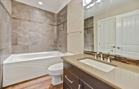 homes-by-greenstone-bathrooms-114