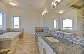 homes-by-greenstone-bathrooms-117