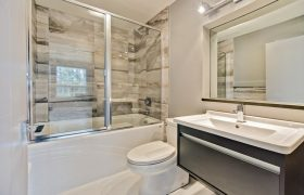 homes-by-greenstone-bathrooms-118