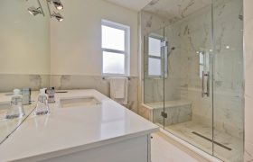 homes-by-greenstone-bathrooms-122